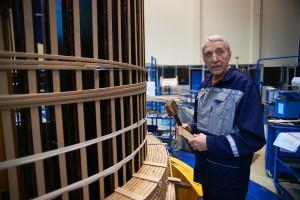 Владимир Николаевич Кузьмин – один из старейших сотрудников, пришел на производство по стопам отца, как один из представителей трудовых династий Электрозавода.