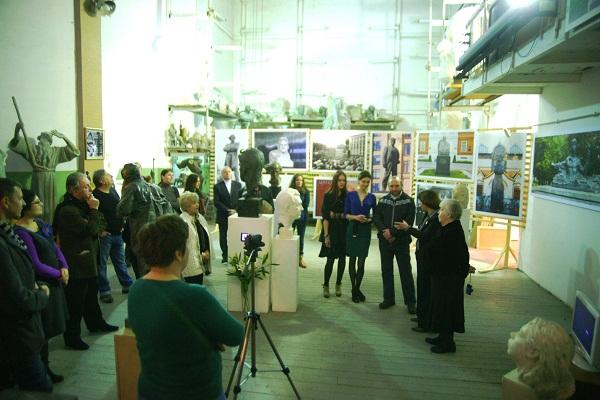 """Выставка  """"Скульптор в гостях у скульптора""""  Вернисаж 6 декабря, 2012 г."""