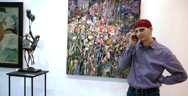 """Галерея  """"ТНК Арт"""", Скульптор Петр Мавшов на выставке своих работ"""