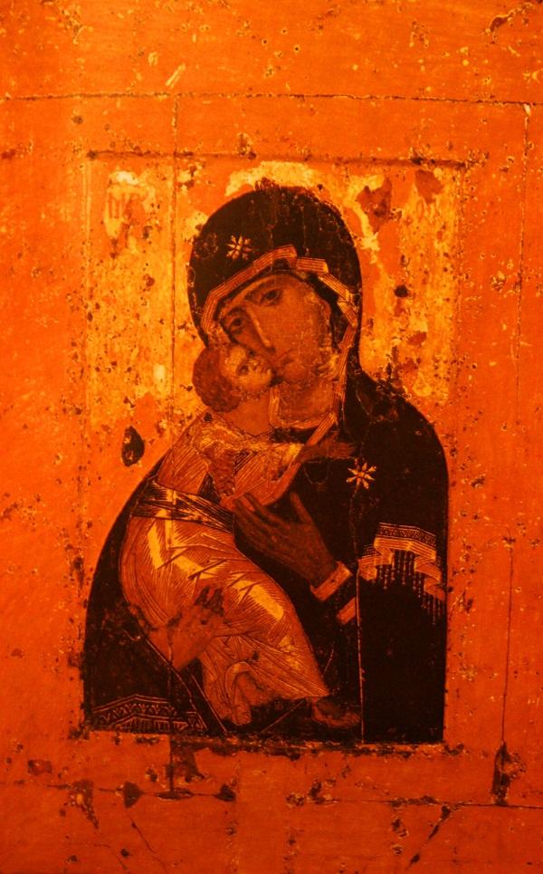 Икона Богоматерь Владимирская. Начало 12 века. Византия. Дерево, паволока, левкас, темпера. 100х70