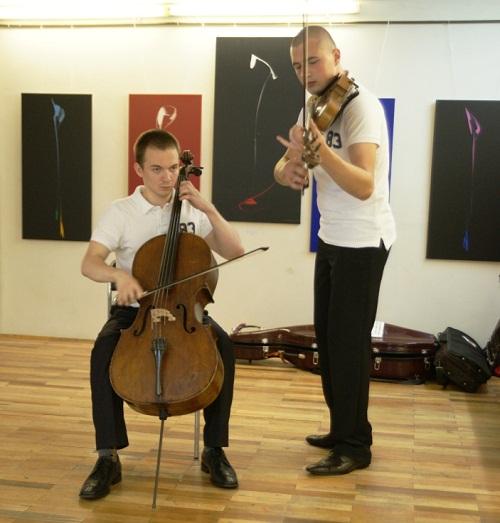 Музыканты на выставке Живопись в ритме джаза