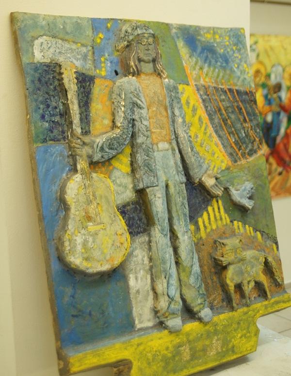 Скульптор  Степан Мокроусов. Композиция, посвященная Джонну Леннону.  Выставка Живопись в ритме джаза