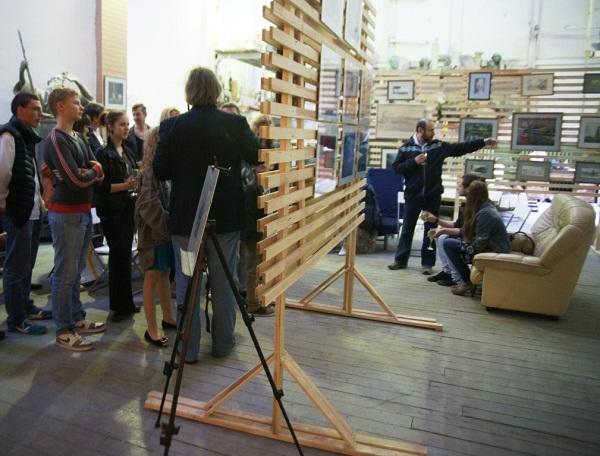 Творческая мастерская Рябичевых Выставка Геннадия Немых лето, 2012 г.