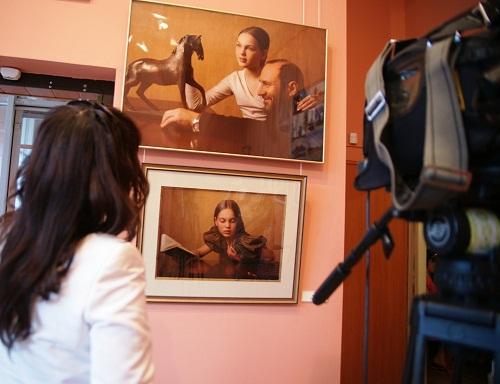 """На выставке """"Династия Рябичевых"""" в галерее  """"Даев-33"""" май, 2010 г."""