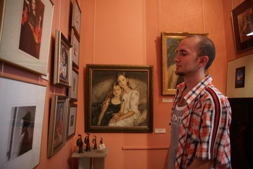 """На выставке  """"Династия Рябичевых""""  в галерее """"Даев-33"""""""