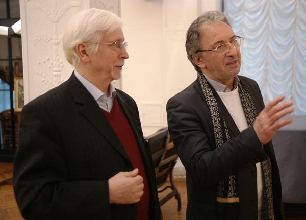 Выставка в Доме Архитектора  Участник выставки Виктор Орловский и гость вернисажа художник Зураб Пачулия