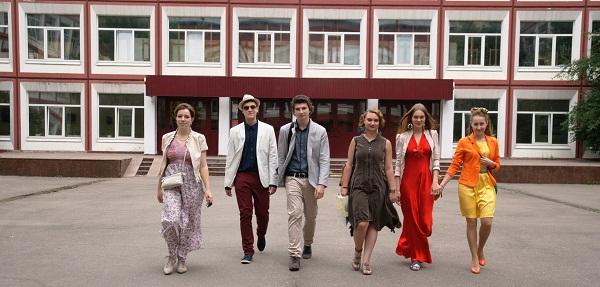 Выпускники МАХЛ РАХ Варвара Изотова, Павел Соколов, Даниэла Рябичева, Анна Марьина