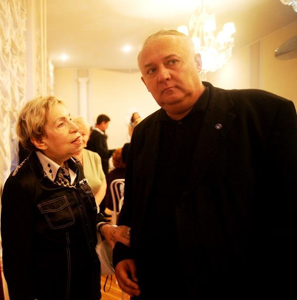 Библиотека имени Андрея Вознесенского Зоя  Борисовна Богуславская  с издателем