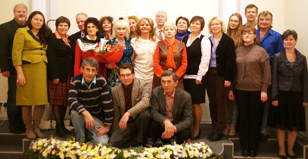 Библиотека имени  Андрея Вознесенского.  Фотография на память 23 сентября, 2013 г.