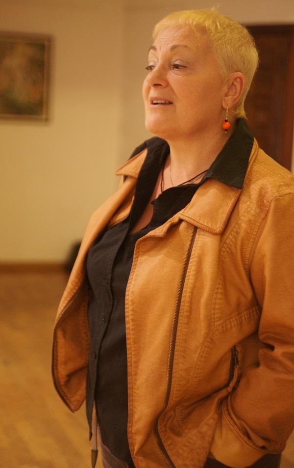Художник  Маргарита Юркова  на выставке  Юрия Петкевича в Театре  Школа драматического искусства