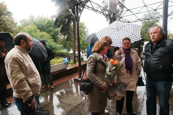 Гости мероприятия открытие доски памяти  Александра Кибальникова скульптор Александр Рябичев,   президент Творческого союза художников России Константин Худяков, 5 сентября, 2013 г.