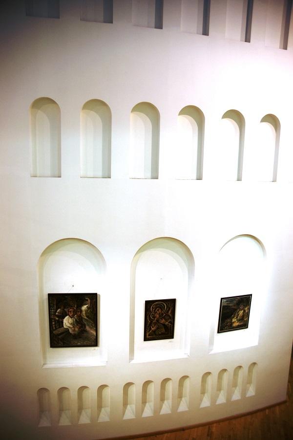Выставка  Юрия Петкевича  в Театре  Школа драматического искусства