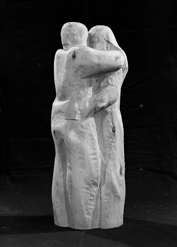"""Скульптор Александр Рябичев """"Ты и я""""  дерево 1985-1987 гг.."""
