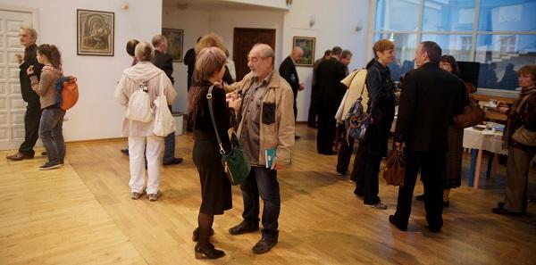 На выставке Юрия Петкевича в Театре Школа драматического искусства