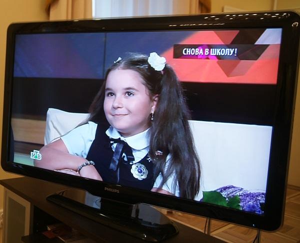 Юный художник  Лиза Радченко в студии программ  НТВ