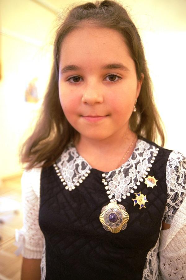 Юный художник  Лиза Радченко 1 октября, 2013 г.