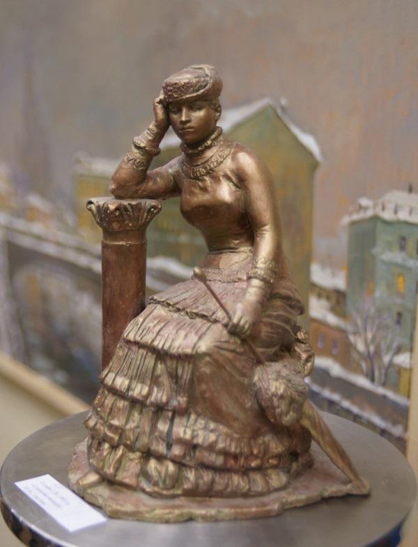 """Скульптор Георгий Курдов """"Ермолова молодая""""  2013 г. тонированный гипс"""