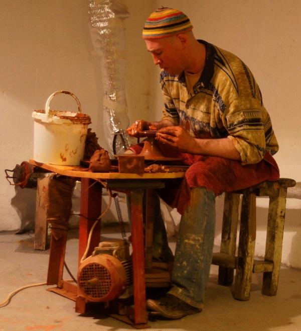 Гончар ТЕНГИЗ ТВОРЧЕСКАЯ МАСТЕРСКАЯ РЯБИЧЕВЫХ Керамика, изделия из глины.  Контакты: sasha.vkt@mail.ru