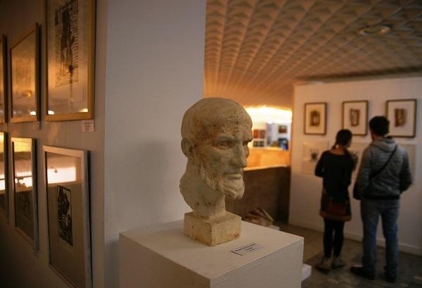 Скульптор  Ринат Хуснутдинов Голова шамот