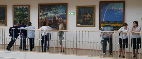 Выставка художника Михаила Абакумова в Павловской гимназии
