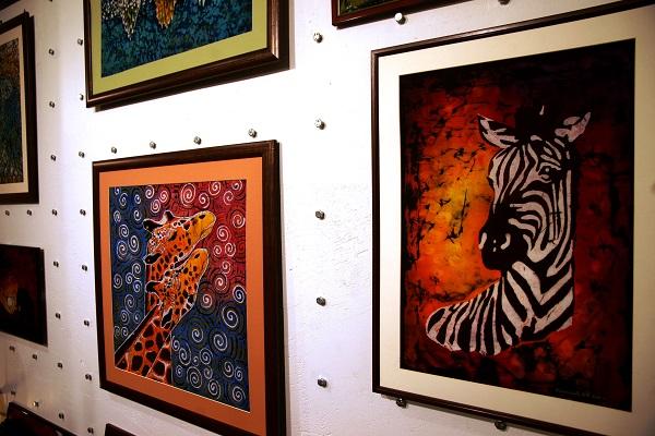 Работы  Ирины Богомоловой  Художник   Выставка в галерее  Шалтай-Болтай (ГУМ, 3 - линия, 3 этаж)