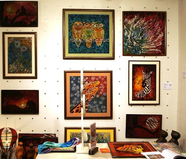 Художник  Ирина Богомолова автор Выставки в галерее  Шалтай-Болтай (ГУМ, 3 - линия, 3 этаж)