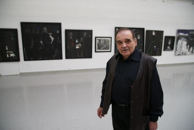 Художник Леонид  Козлов на выставке работ Игоря Обросова в Новом Манеже, 2010 г.