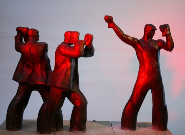 "Cкульптор  Александр Вагнер ""Рабочие"" отлита в Мастерской Александра Рябичева в 2012 г."