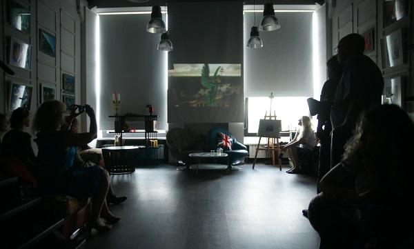 На открытии выставки были показаны картины видеоарта Геннадия Немых Открытие выставки фотографий  кинооператора и сценариста Геннадия Немых  в студии дизайна BriArt 11 июня 2014 г.