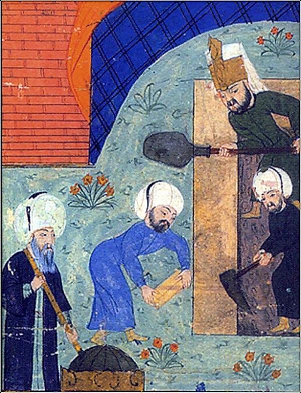 У могилы Сулеймана I предполагается, что  слева изображен  Мимар Синан