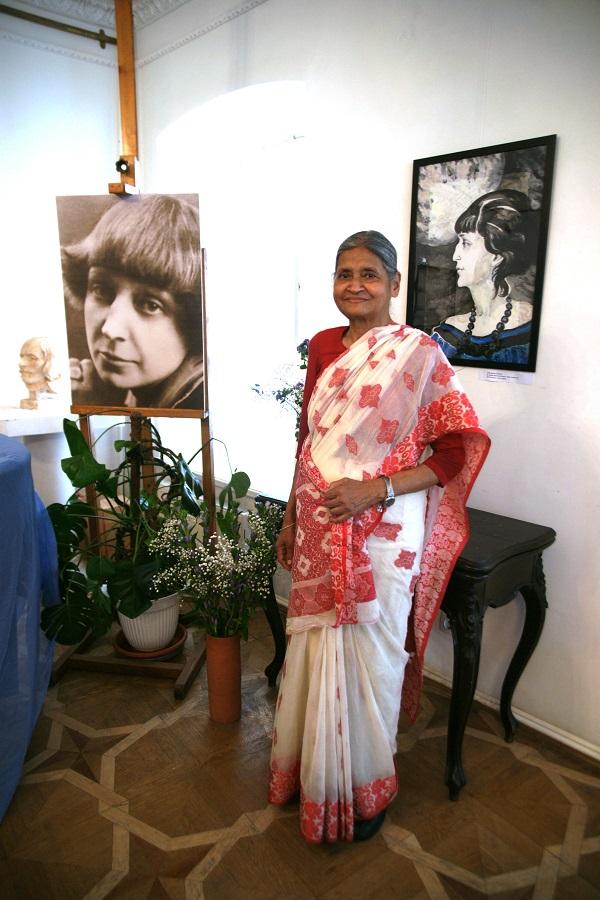 Кришна Рой гость вернисажа, общественный деятель,  автор проекта, посвященного Махатме Ганди и Льву Толстому