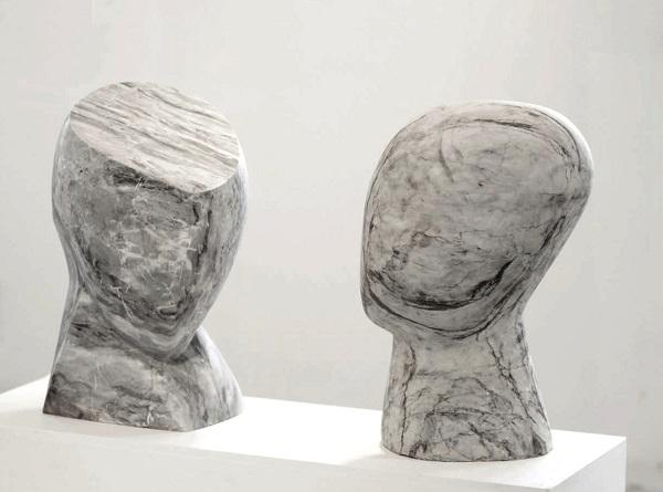 Елена Патлажанова Две головы итальянский мрамор, 2003 г.