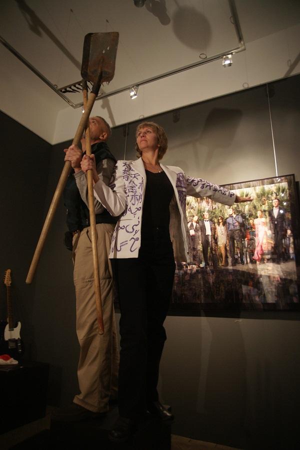 """Валера и Наташа  Черкашины Выставка """"Монументы"""" Галерея  """"Культпроект"""" 2010 г."""