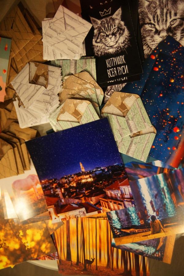 Каждый гость Вернисажа мог стать обладателем  одной из уникальных фотографий Кристины Макеевой. Упаковка была продумана  с особенным вниманием  к деталям.