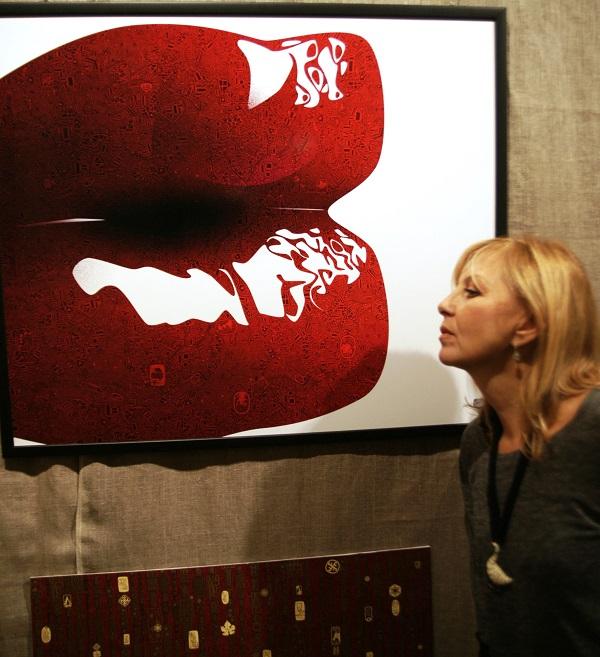 Жанна Булгакова  гость вернисажа  на выставке  SAVVA & Малютин Работы by SAVVA на выставке SAVVA & Малютин были самыми популярными для фотосессий на вернисаже.