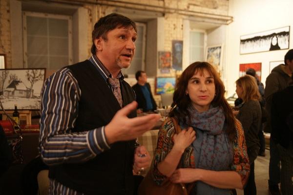 Автор выставки  Savva & Малютин  и искусствовед  Елена Садыкова  на выставке  SAVVA & МАЛЮТИН в ДЕКОР ДЕПО