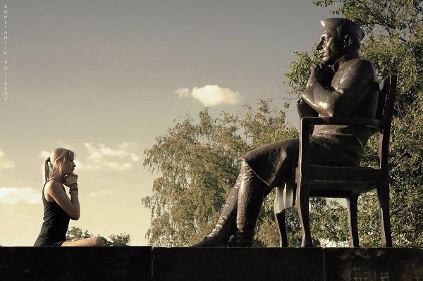 Скульптор Дмитрий Рябичев Композиция  Джавахарлал Неру Фото:  Константин Поляков