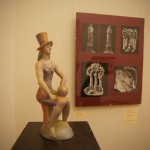 "Выставка Валерия Малолеткова, ""Футбольная фанатка"", 2006 г. керамика, роспись"