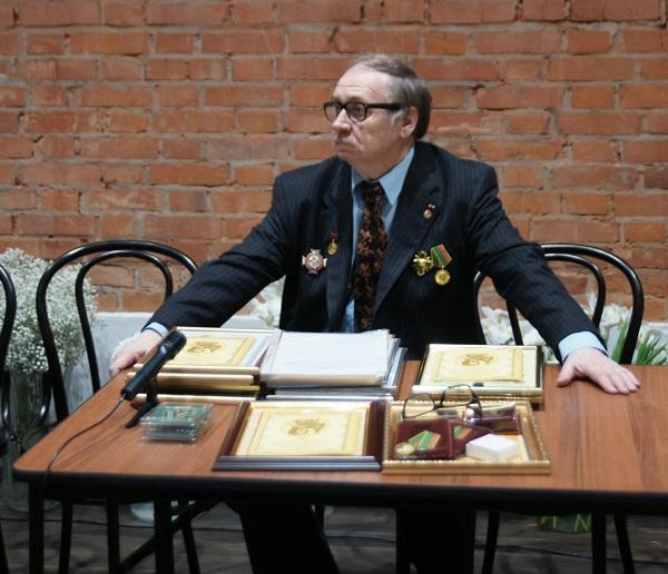 Президент  Академии Российской словесности  Юрий Беляев