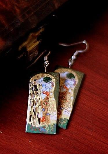Даниэла Рябичева Сережки с репродукцией  картины  Густава Климта