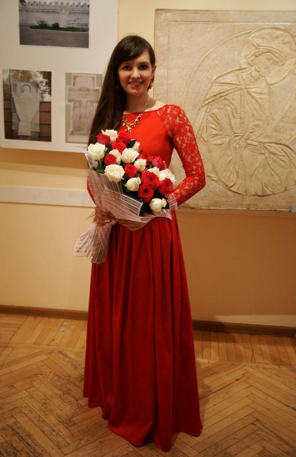 Алена Булгакова   художник декоративно-прикладного искусства солист Музыкального клуба МСХ Концерт в МСХ на Старосадском, д.5 31 мая 2015 года