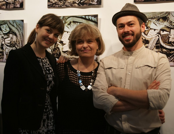 Шеомир Гучепшоко со своей женой Анастасией  и ее мамой Натальей Рубцовой