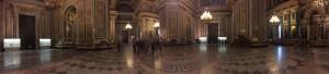 В соборе три алтаря, главный посвящён Исаакию Далматскому, левый — Великомученице Екатерине, правый — благоверному Александру Невскому. Интерьеры отделаны мрамором, малахитом, лазуритом, золочёной бронзой и мозаикой. Работы над интерьером начались с 1841 года, в них приняли участие знаменитые русские художники (Ф. А. Бруни, К. П. Брюллов, И. Д. Бурухин, В. К. Шебуев, Ф. Н. Рисс) и скульпторы (И. П. Витали, П. К. Клодт, Н. С. Пименов).