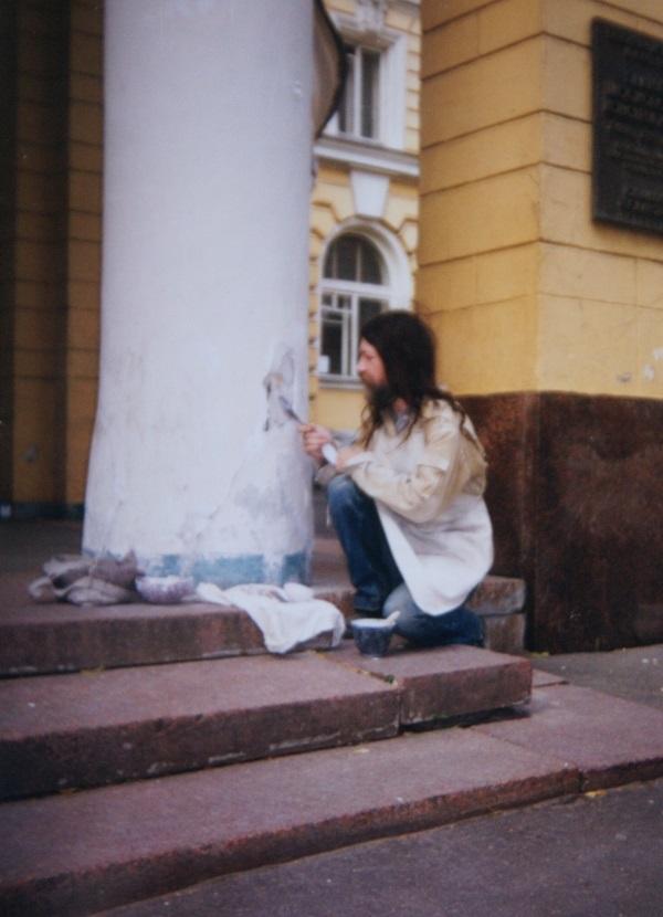 Записки о художниках АРТ-релиз.РФ, Александр Володин за работой (фото 7)