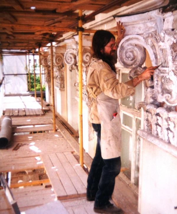 Александр Володин  принимал участие  в реставрационных работах в самых красивых зданиях Москвы, памятниках архитектуры и истории.