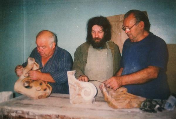 На фото:  реставраторы Анатолий Зимин, Александр Володин   Владимир Глазков, реставратор, ведущий специалист