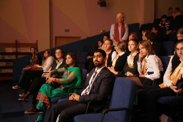 Господин Джейсундар  секретарь по делам прессы, информации и культуры  Посольства Индии в Москве