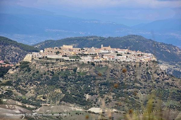 Санта Северина сегодня 1 октября 2015 года Италия, Калабрия административный центр Кратоне фото: Пино Бароне (Pino Barone) профессор, директор Епархиального Музея, Санта Северина