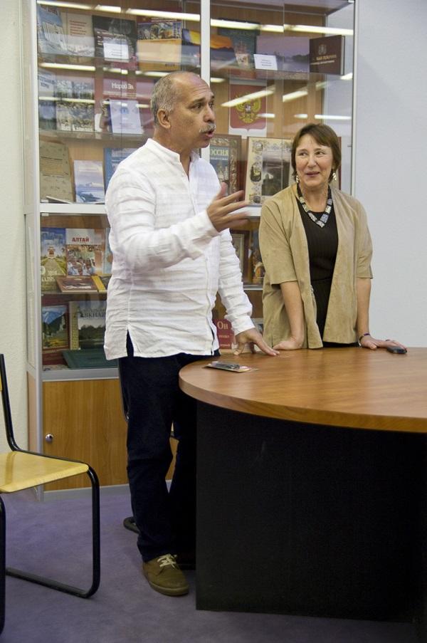 Художник Йослен Арриохас Орсини  с супругой Марией Ставровой