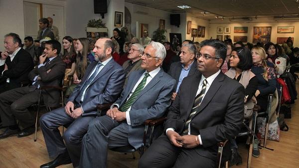 Выставка семьи Рябичевых в Посольстве Республики Индия фото: Игорь Дремин